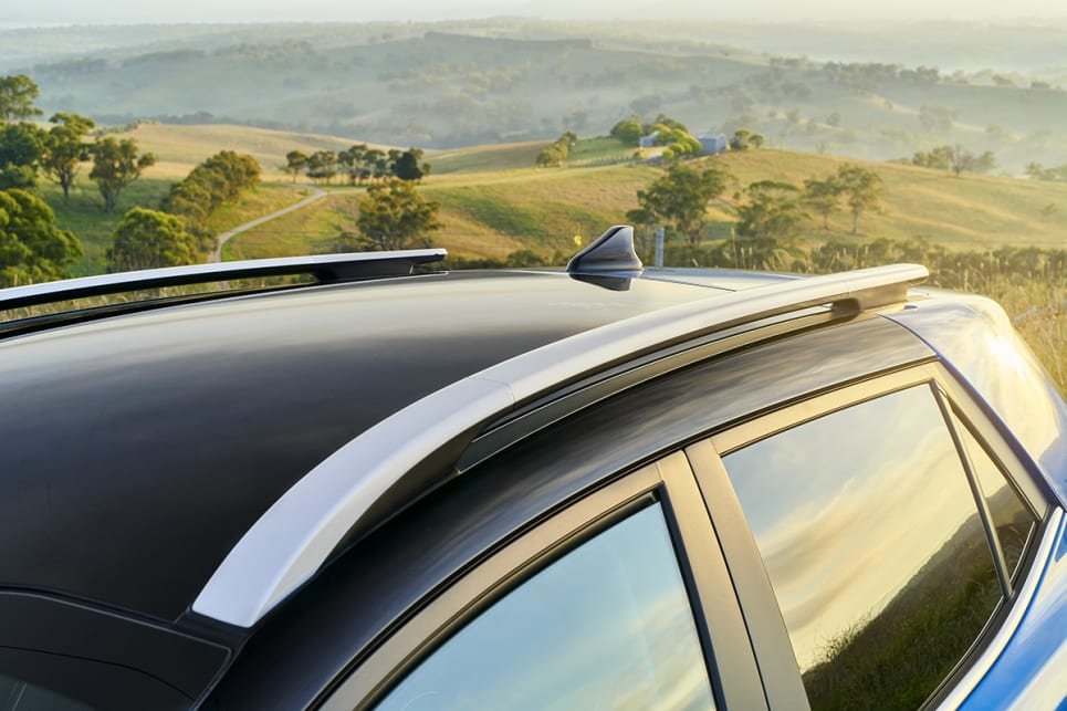 All Stonics have roof racks. (GT-Line variant pictured)