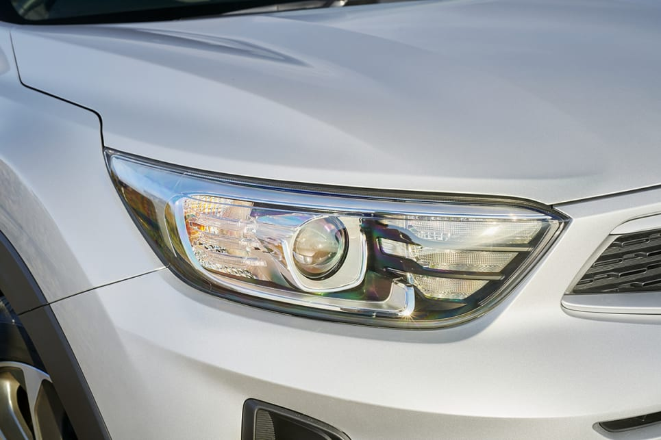 The Stonic has auto headlights. (Sport variant pictured)