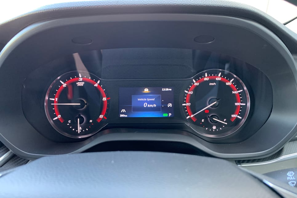The driver is treated to a 4.2-inch digital instrument cluster with a digital speedo.