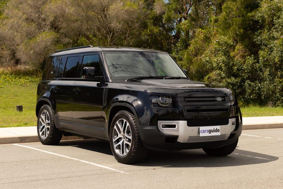 Land Rover Defender 2021 review: 110 P400 SE - Big 4x4 SUV ...