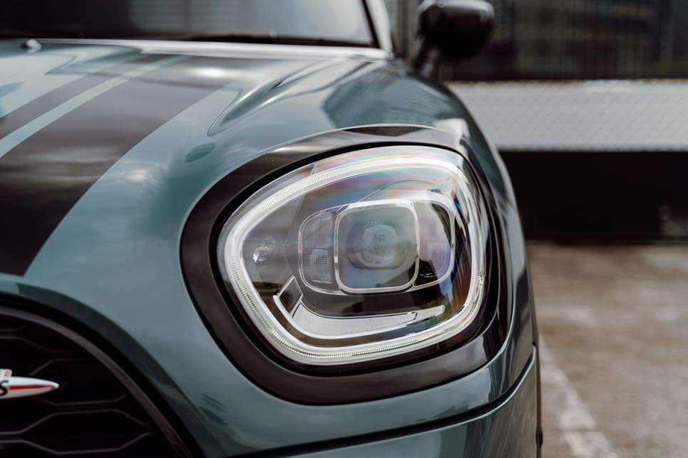 There's light-sensing headlights.