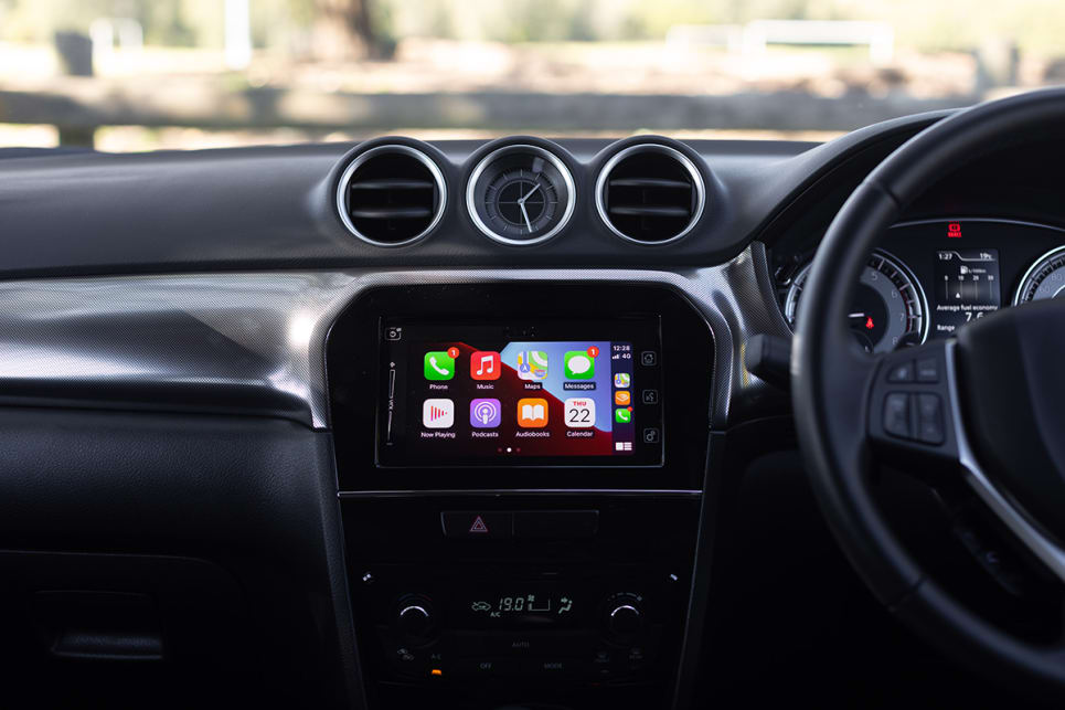 The 7.0-inch touchscreen features Apple CarPlay and Android Auto.