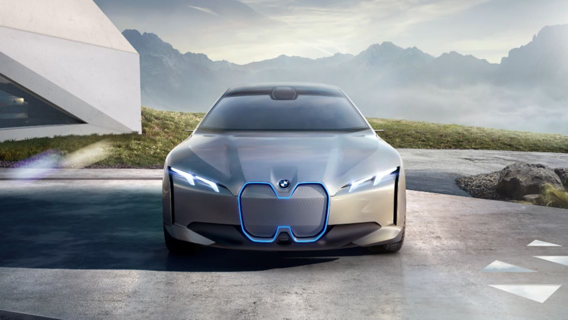 The i4 is a 3 Series-sized gran coupe previewed by the i Vision Dynamics concept revealed in Frankfurt in 2017.