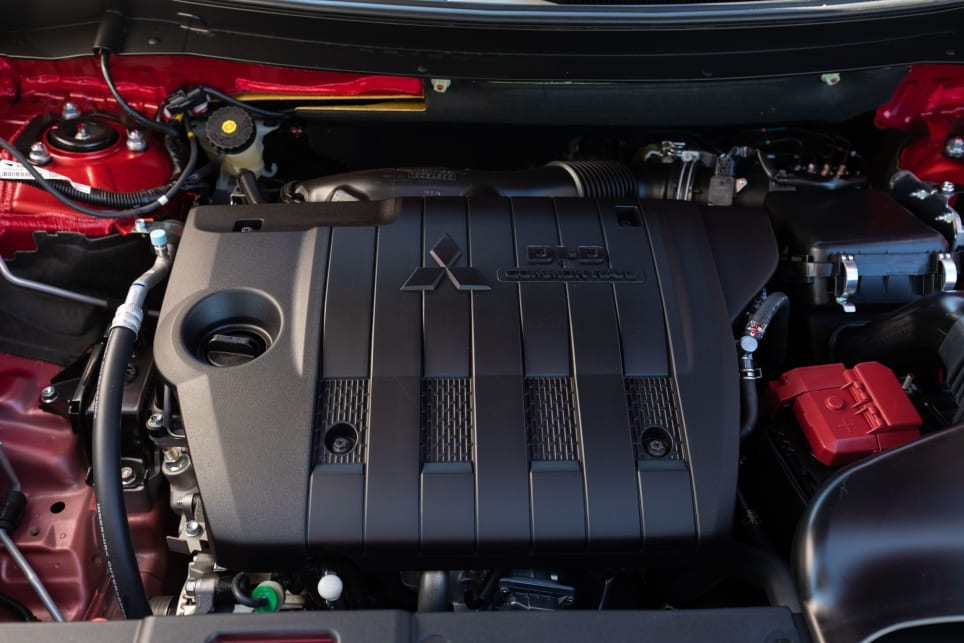 The Outlander Exceed in the diesel AWD has a 2.4L diesel engine.