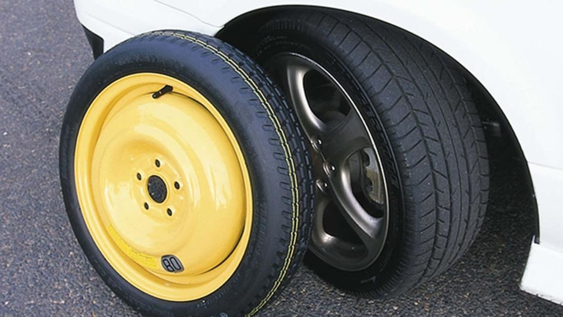 Space-saver spare tyre