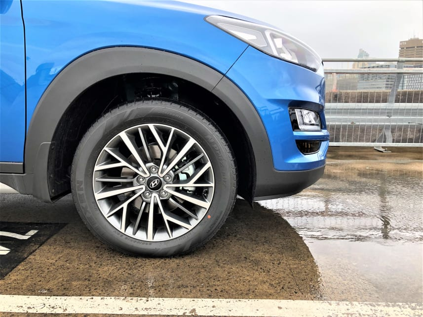 18-inch alloy wheels come standard in the Elite.