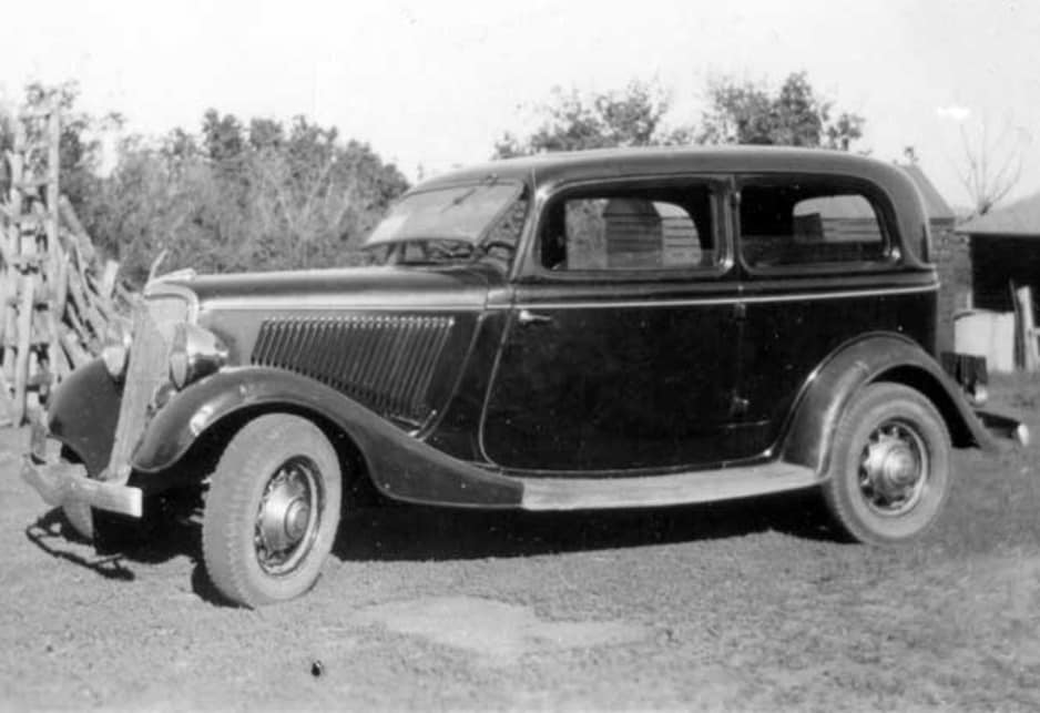 1934 Ford two door sedan
