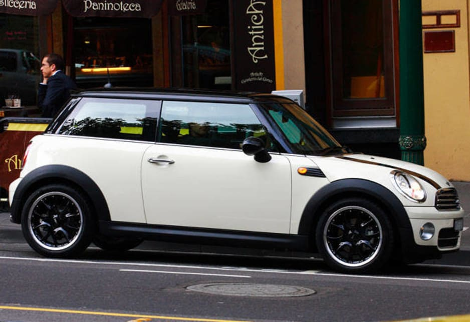 Mini Cooper 2009 Review | CarsGuide