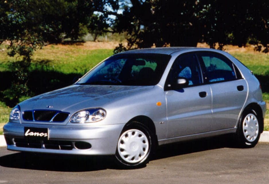 2000 Daewoo Lanos SE five-door hatch