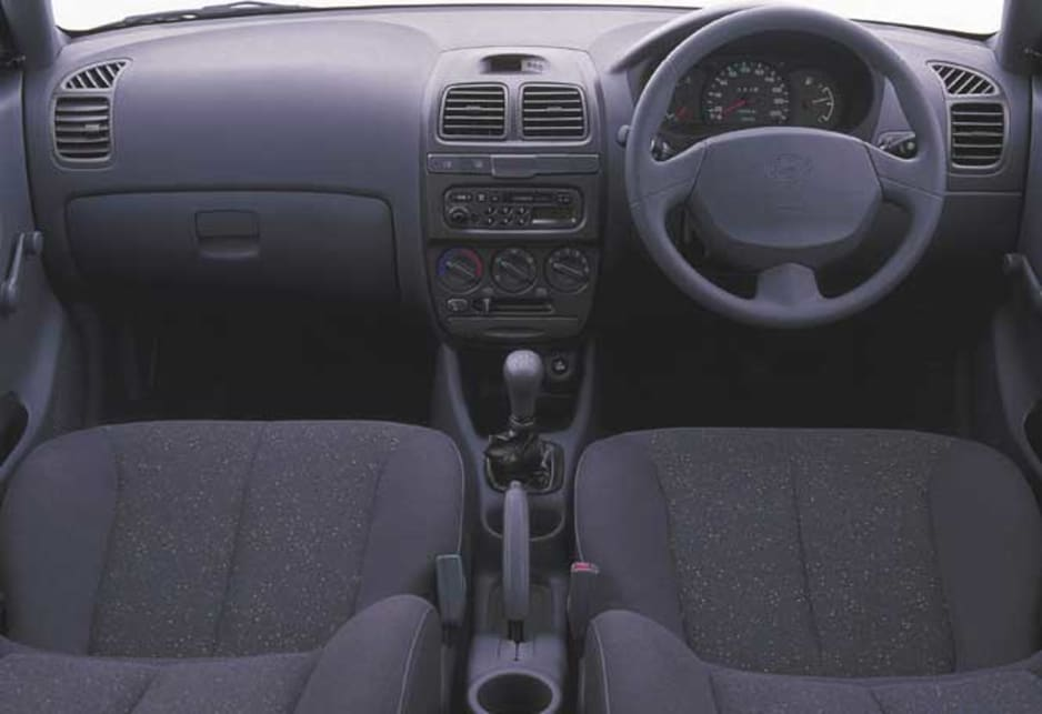 Used Hyundai Accent Review 2000 2003 Carsguide