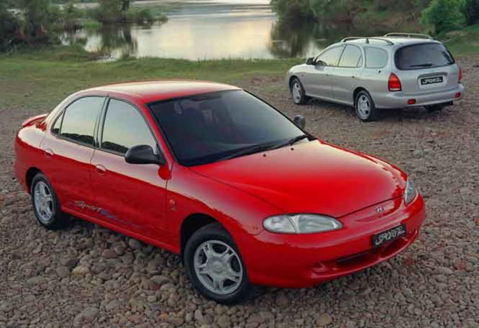 1998 Hyundai Lantra Sportz sedan and wagon