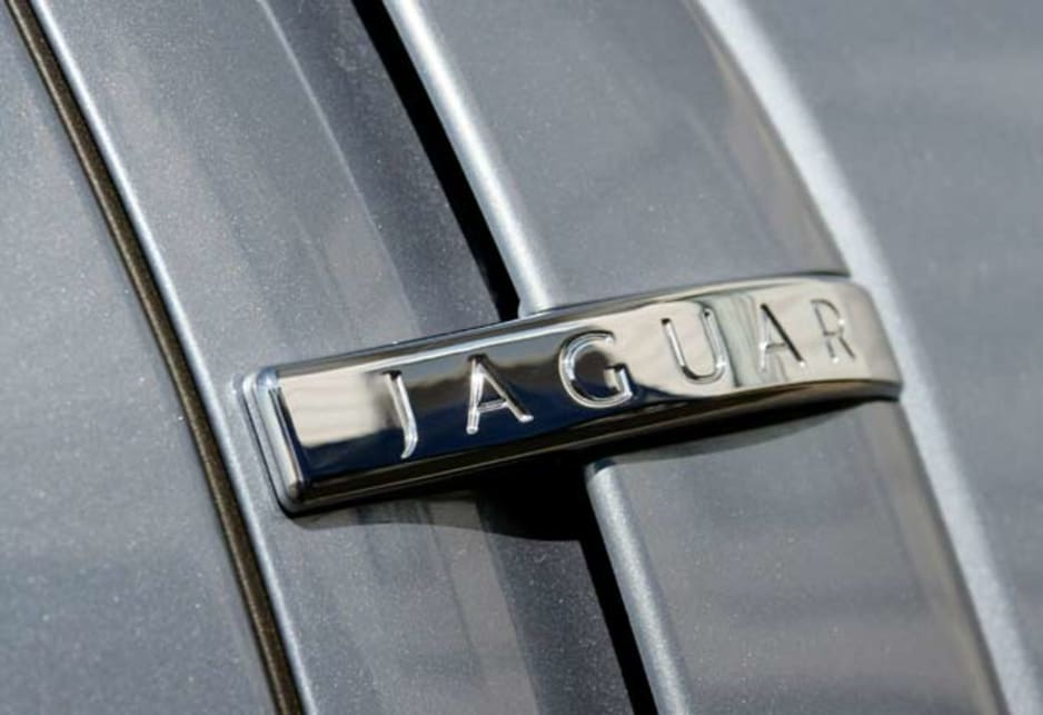 Jaguar XF Diesel - jag badge