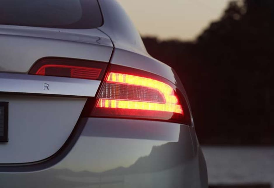 Jaguar XF Diesel - light night