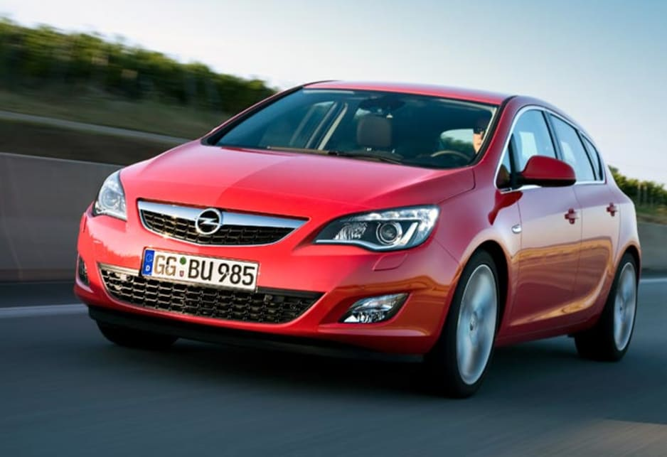 Astra will come as 1.6 and 2.0-litres diesels and 1.4, 1.6 and 2.0-litre petrols with and without turbochargers. The transmissions are six-speed units in manual and automatic that drive the front wheels.