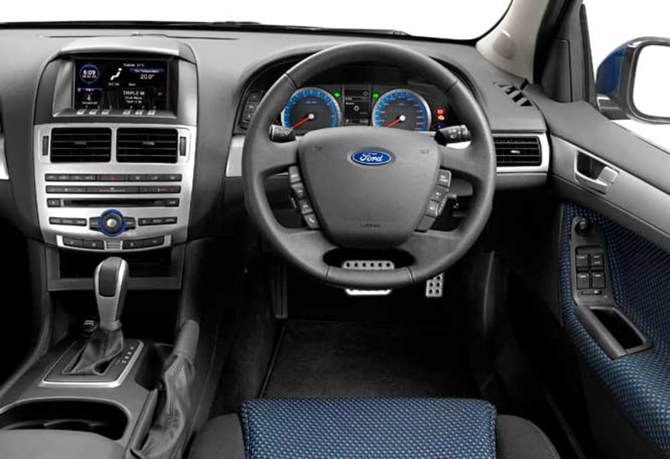 Ford Falcon 2011 review | CarsGuide