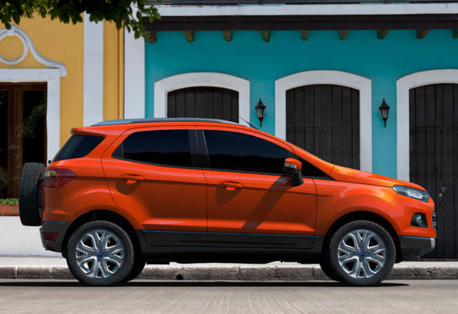 Ford claims 4.5 litres/100km and 140 grams of CO2 per kilometre. The SUV will also be available with a 1.5-litre normally-aspirated petrol engine. The diesel version can get fuel economy about 3.9 L/100km when matched to a five-speed automatic.