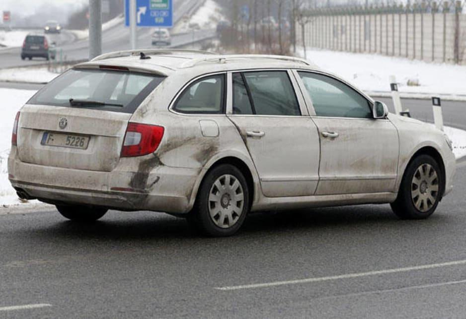 Skoda Superb spy shot - Car News | CarsGuide