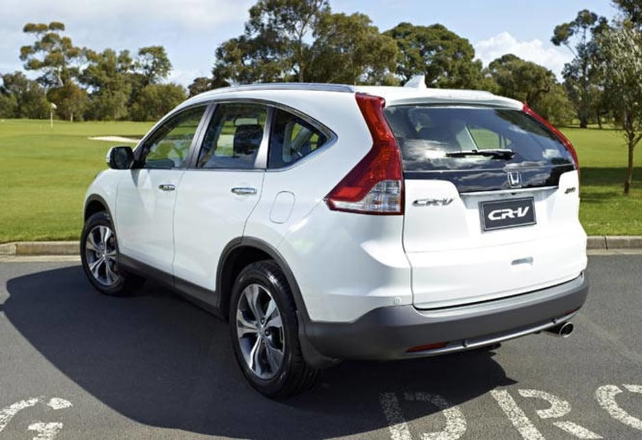 The new CR-V's design is light years ahead of the bitty, plasticky design of the old. Honda has finally put a face on the CR-V that you will recognise and like. If you're not paying attention, you might at first think it's the handsome Kia Sportage from the front or a Volvo from the rear.