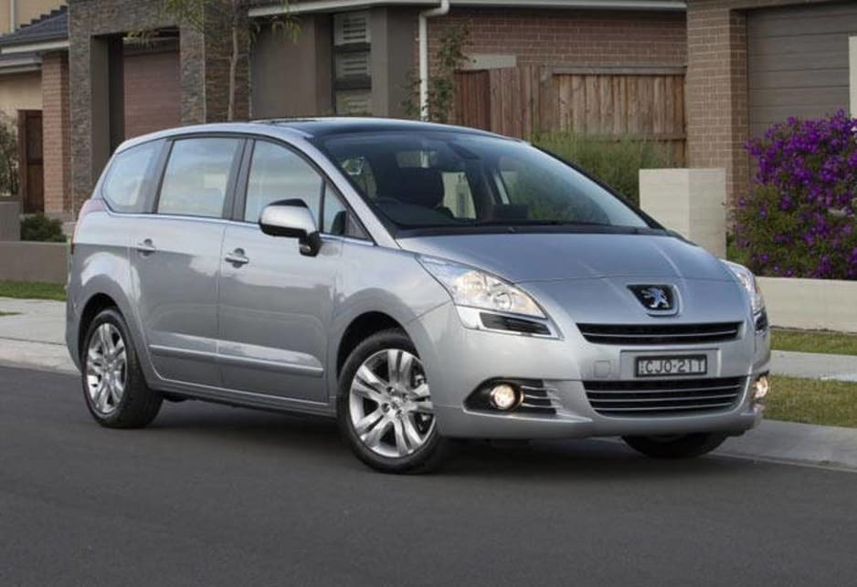 Peugeot 5008 Touring Active petrol auto 2013 review | CarsGuide