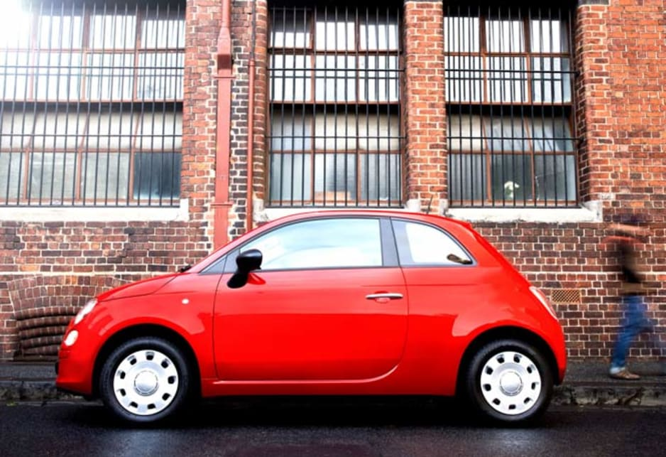 The Fiat 500 Pop is no stripped down special, having air conditioning, central locking, power front windows and door mirrors, and a trip computer. Communication uses the Fiat / Microsoft co-designed Blue&Me voice-activated system with Bluetooth, USB and Aux connectively.