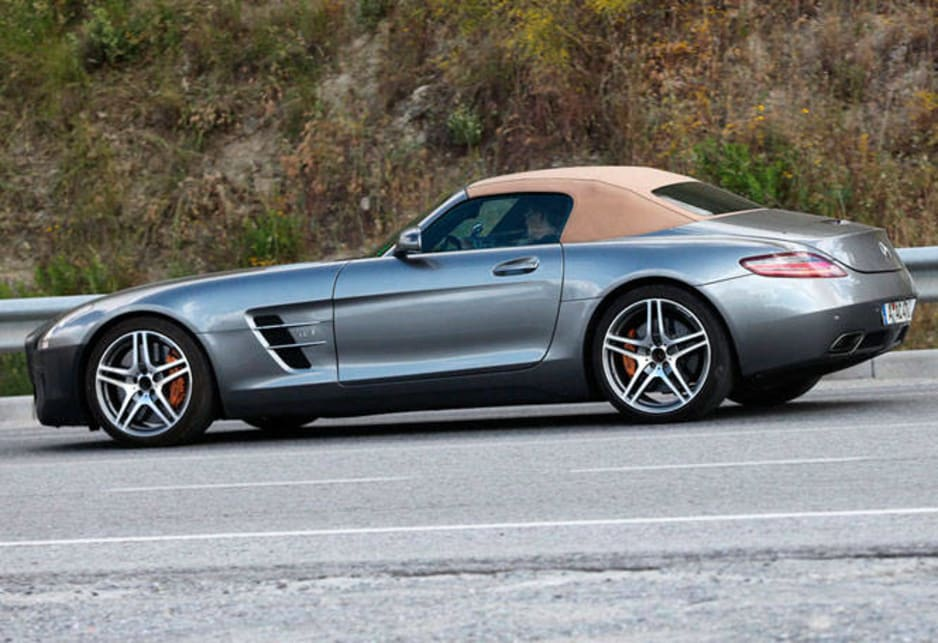 Mercedes Benz-AMG SLS spy shot