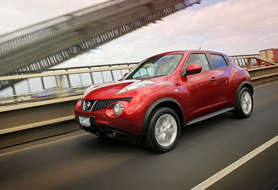 The just-arrived Juke has six lights on its snoot, two big rally-style headlights, flanked by two outrigger lights with two driving lights below.