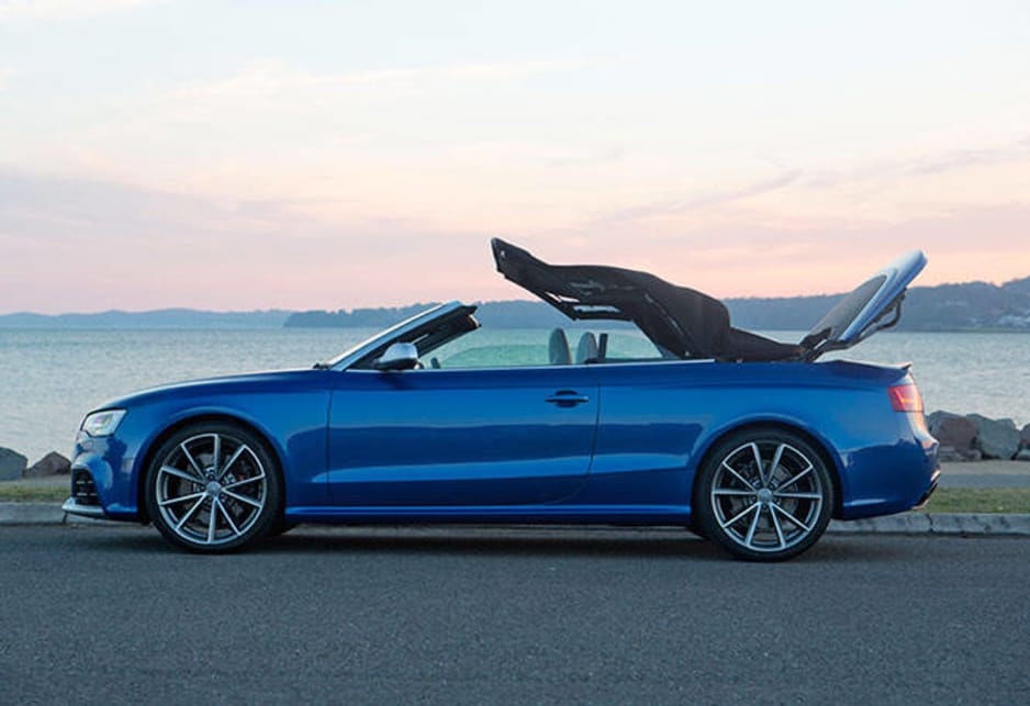 Going against the current trend of retractable hardtops the RS 5 Cabriolet uses a textile roof which, while it will appeal to the motoring purist, does detract from its appearance in the eyes of some.