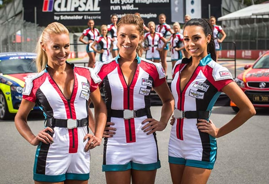 Grid Girls Jeska, Simone and Jacinta at Pit Straight.
