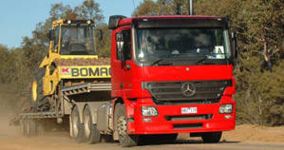 Mercedes Benz Actros Safest Truck Hits Oz Road Car News