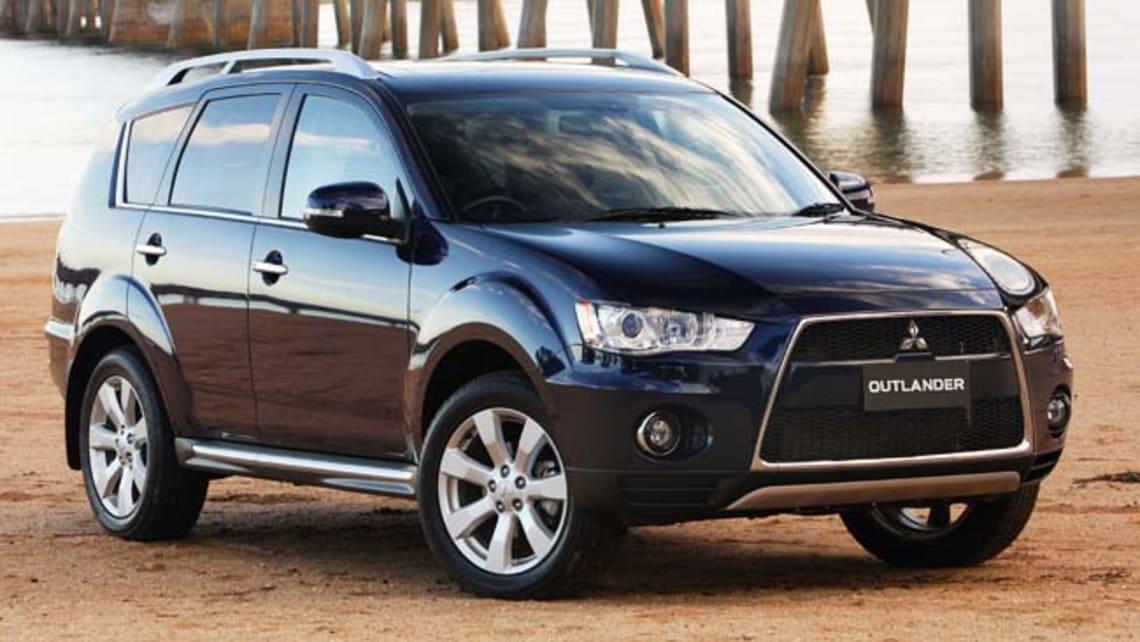 Mitsubishi Outlander 2010 review | CarsGuide