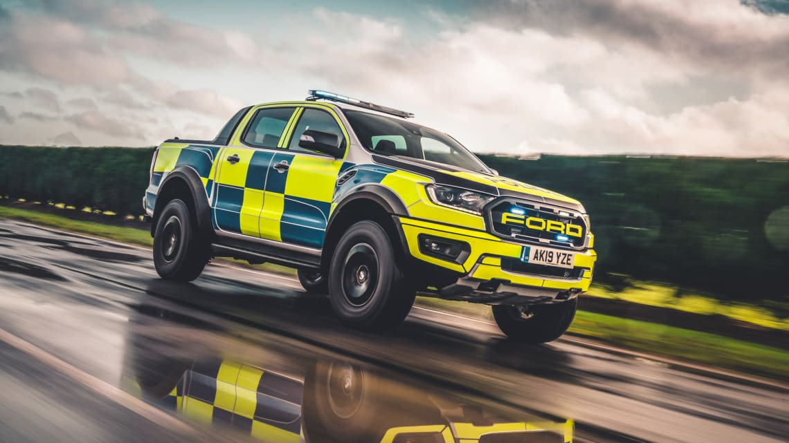 The Ford Ranger Raptor looks very good in Police colours