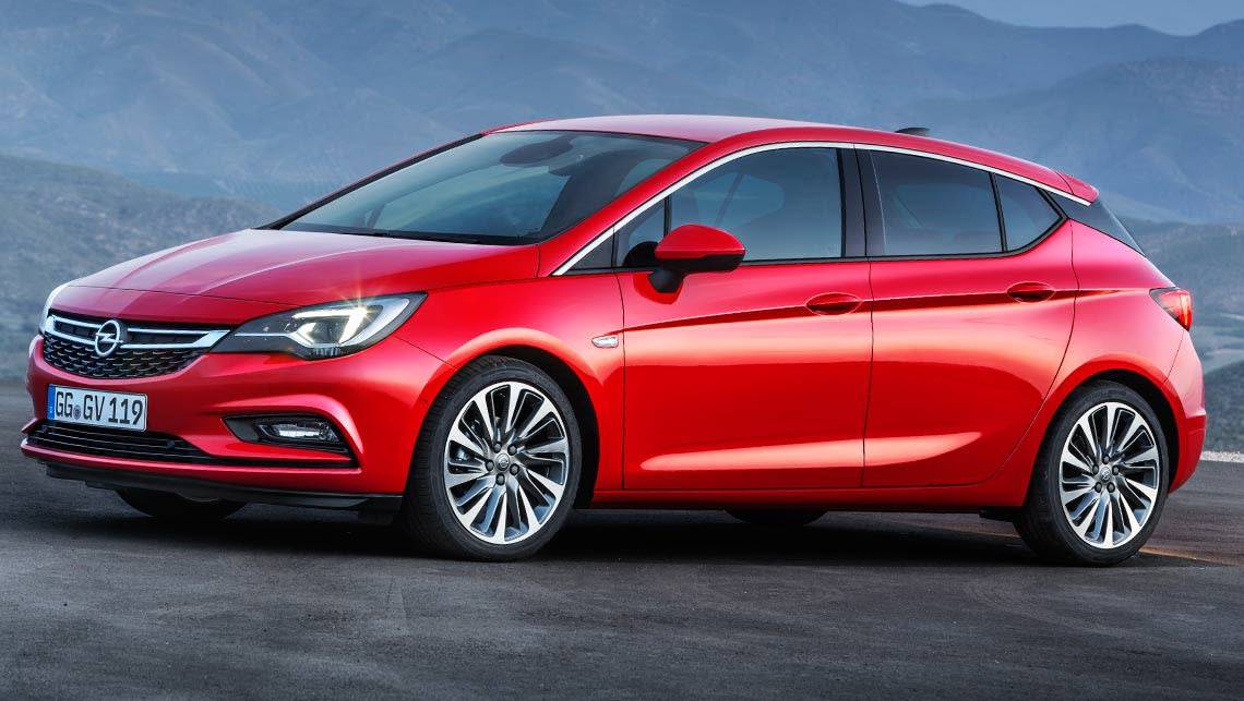 2016 Holden Astra wearing Opel badges.