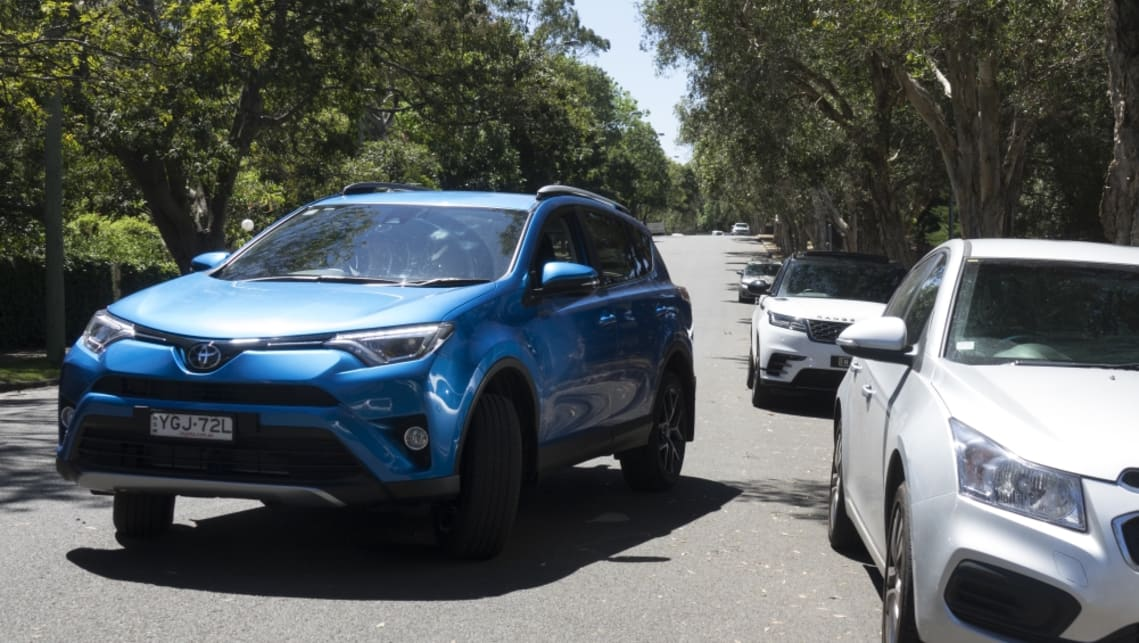 Foolproof parallel parking - Car Advice | CarsGuide