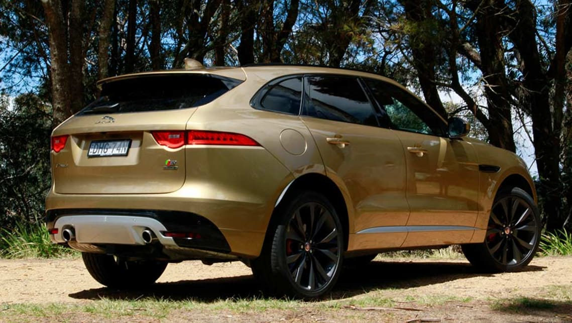2016 Jaguar F-Pace 35t First Edition.