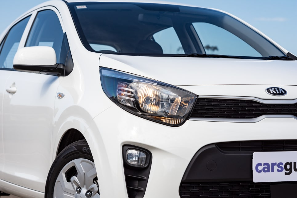 The Picanto has halogen headlights.