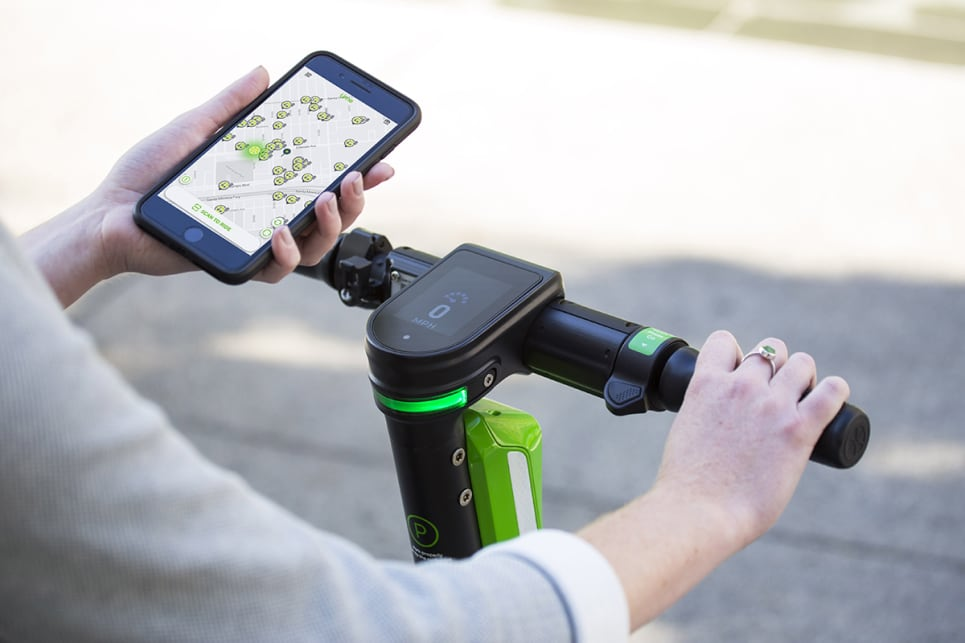 According to the company, one big advance is the 2.8-inch colour dashboard display to instruct riders where to park based on GPS co-ordinates, how to ride their scooter safely, and the laws they need to be aware of.