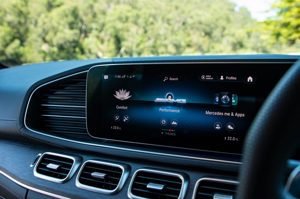 The media screens come complete with Apple CarPlay, Android Auto, built-in navigation and voice activation. (image: Tom White)