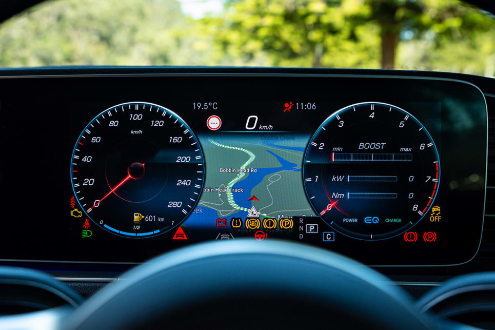 Included are the standard fitments from all new Benz models, including the headline dual 12.3-inch screens adorning its massive dashboard. (image: Tom White)