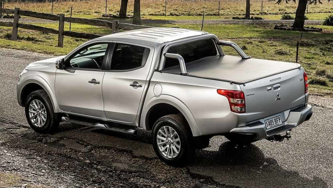 Mitsubishi Triton Exceed 4wd Dual Cab Ute 2016 Review Carsguide