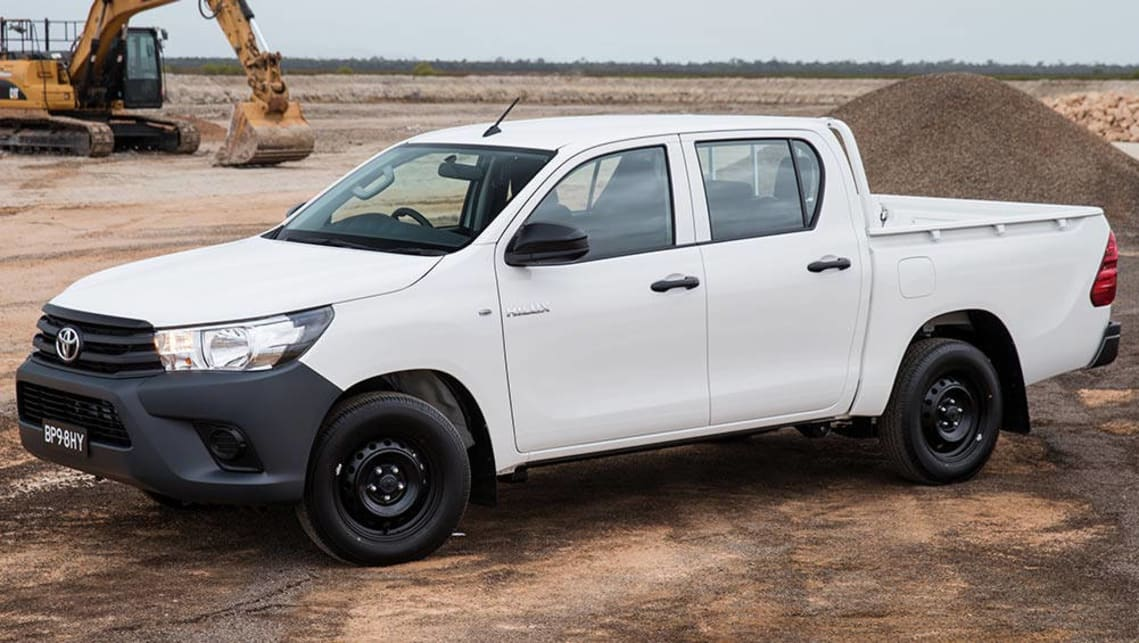2015 Toyota HiLux Workmate dual-cab