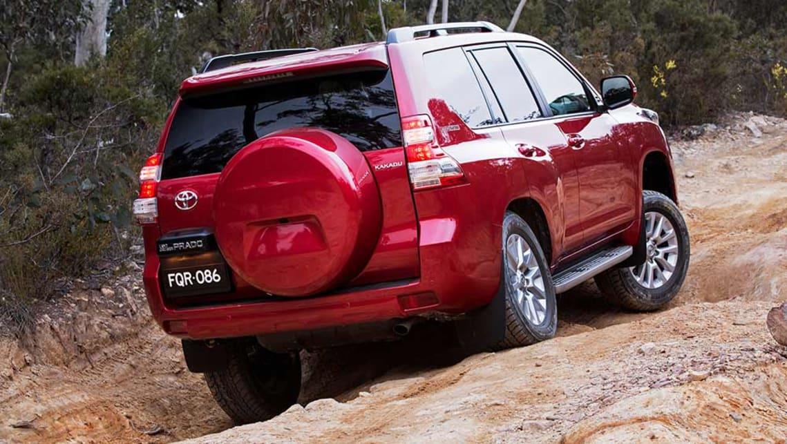 Toyota Land Cruiser Prado 2015 review | CarsGuide