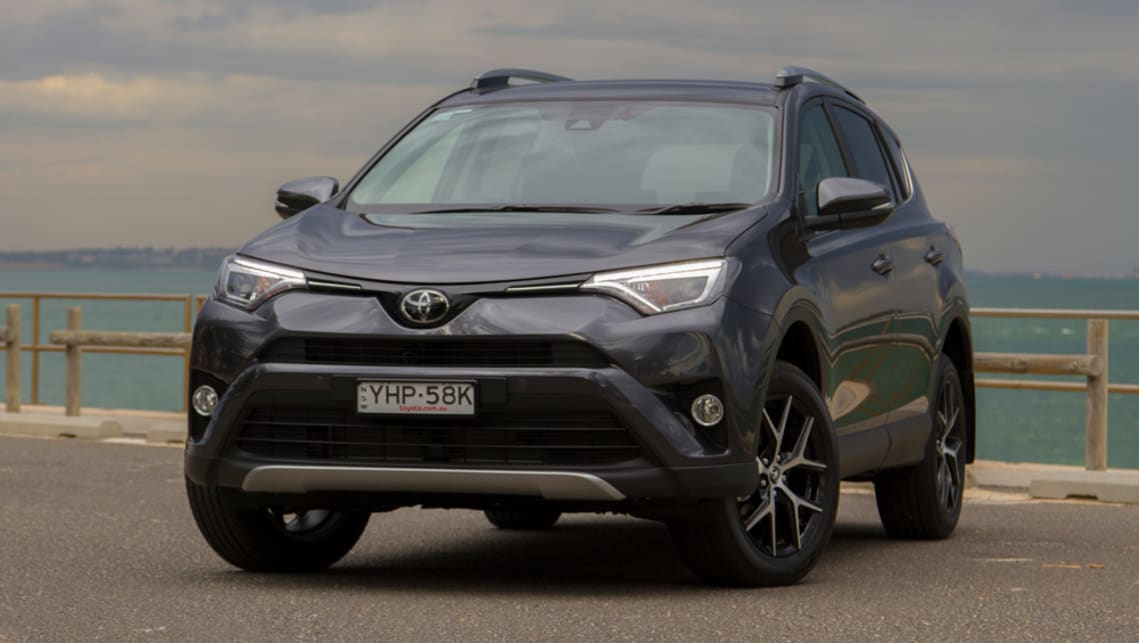 Toyota RAV4 2018 review | CarsGuide on