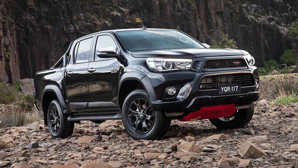 https://carsguide-res.cloudinary.com/image/upload/f_auto,fl_lossy,q_auto,t_default/v1/editorial/2017-Toyota-HiLux-SR5-dual-cab-TRD-kit-black-ute-press-image-1001x595-%282%29.jpg