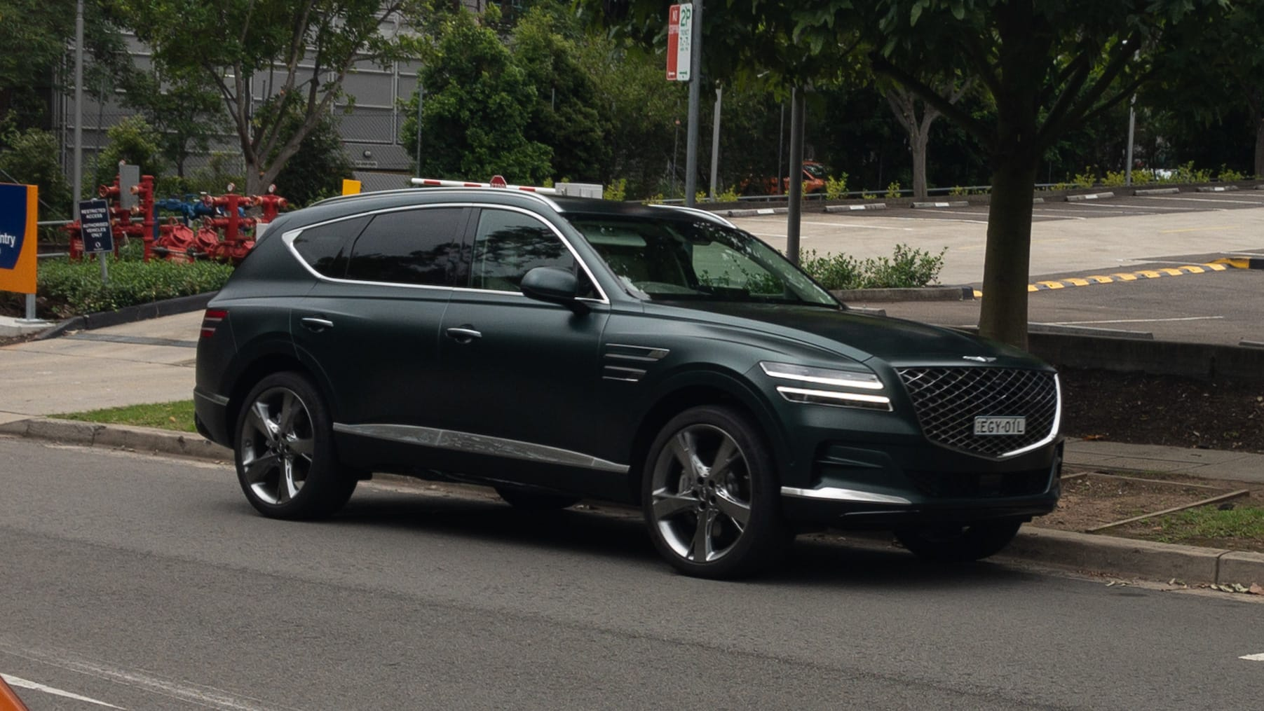 New Genesis Gv80 2020 Spotted Testing In Sydney Bmw X5 Rivalling Large Suv To Get Australian Specific Tune Car News Carsguide